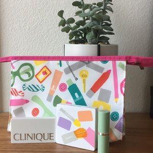 Clinique MakeUp Bag w/ 2 Palettes & Lipstick 💄